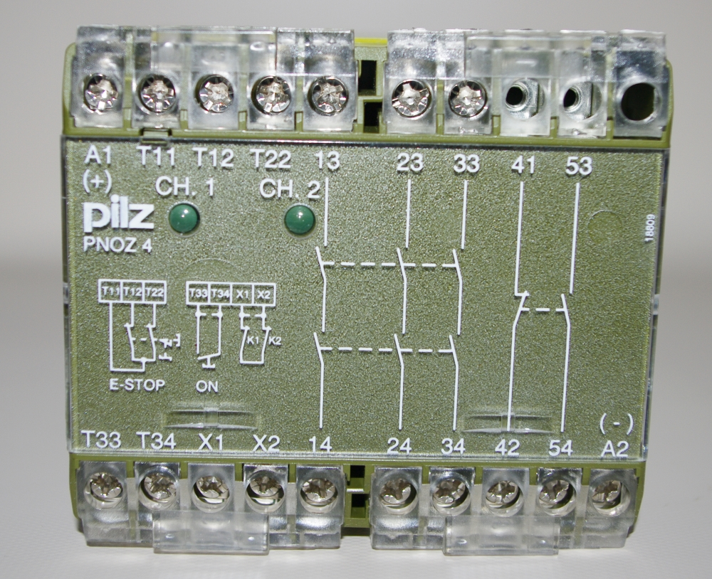 pilz-pnoz4